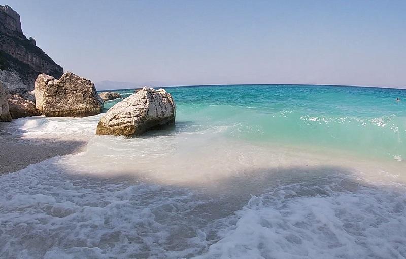 サルデーニャのビーチ カーラ・ゴロリッツェ