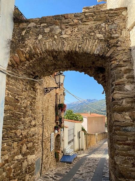 イタリアの最も美しい村 ポサーダ